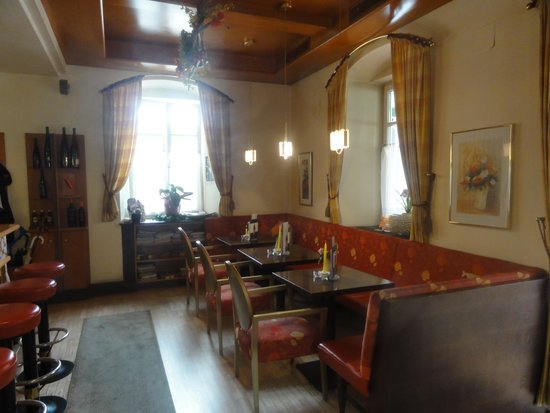 Cafe-Restaurant Flora: Bar