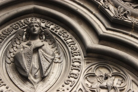 Iconic  Tours: St. Giles