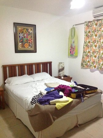 Rabosea Bed & Breakfast : my bedroom, photo taken when I was packing so it is untidy