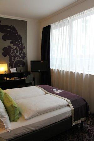 Steigenberger Hotel Herrenhof Wien: Small Room