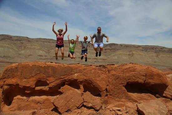 Las Vegas Rock Crawlers: A scenic moment at Logandale Trails with family