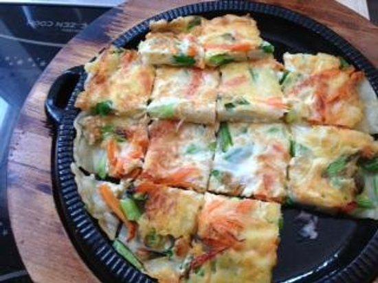 Bulgogi: starter: seafood pancake (egg, batter, shrimp, squid, octopus?, carrots, scallion)