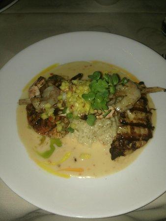 Hukilau Lanai : amazing white fish dinner with shrimp