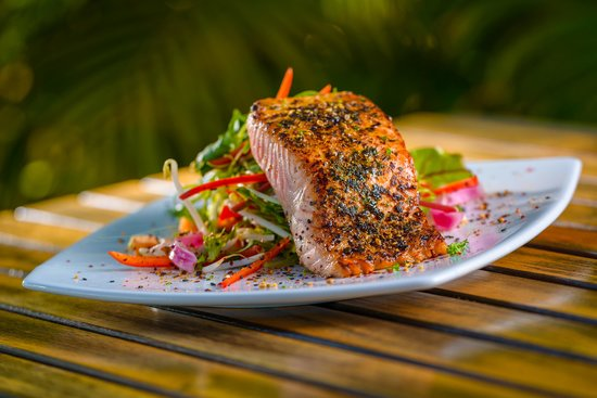 Whalers Restaurant: Blackened Salmon
