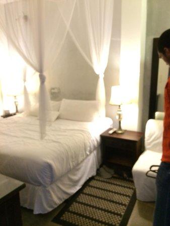 CasaBlanca Hotel: King size bedroom