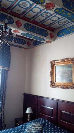 Hotel U Zlateho Stromu: Part of my room