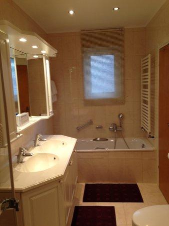 Hotel Furian am Wolfgangsee: Bathroom