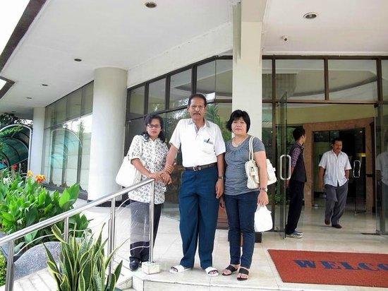 Hotel Sentral Jakarta: Beranda Hotel Sentral