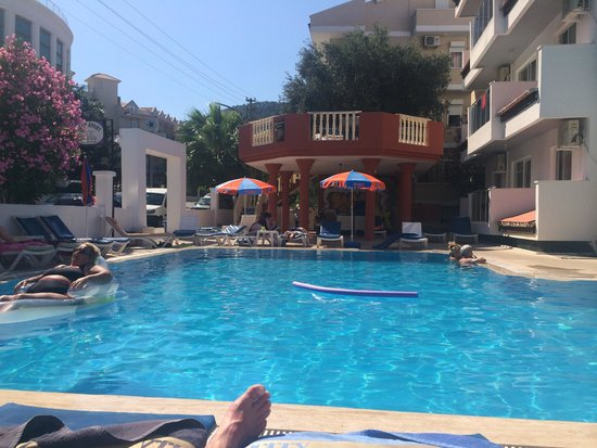 Kaan Apart: Beautiful pool