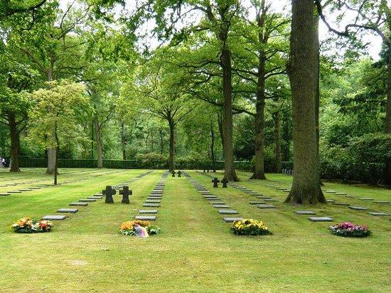 Vladslo German War Cemetery: Freshly-lais wreathes