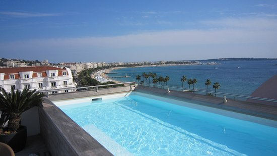 Hotel Barriere Le Majestic Cannes: A view from a room I wanted to stay in.