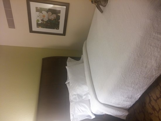 Hilton Garden Inn Phoenix Midtown: Bed with firmness dial
