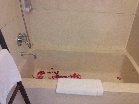 Taum Resort Bali: Bath