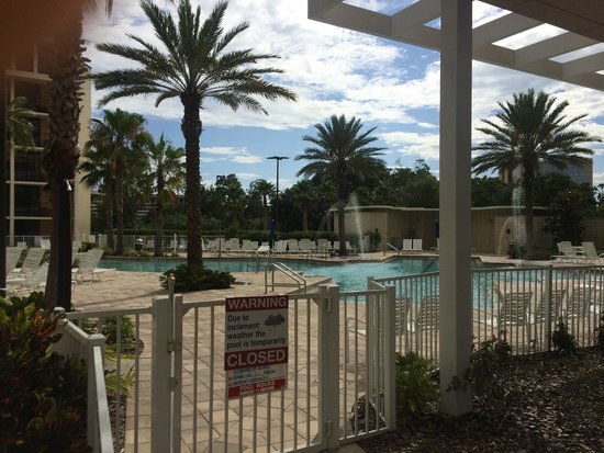 Holiday Inn Orlando – Disney Springs Area: Pool area