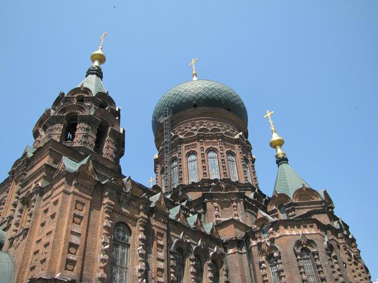 Saint Sophia Cathedral : Снаружи выглядит внушительно