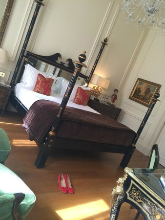 The Kensington: Room 118