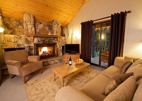 Alta Crystal Resort at Mount Rainier: A sample living room in a Loft Suite