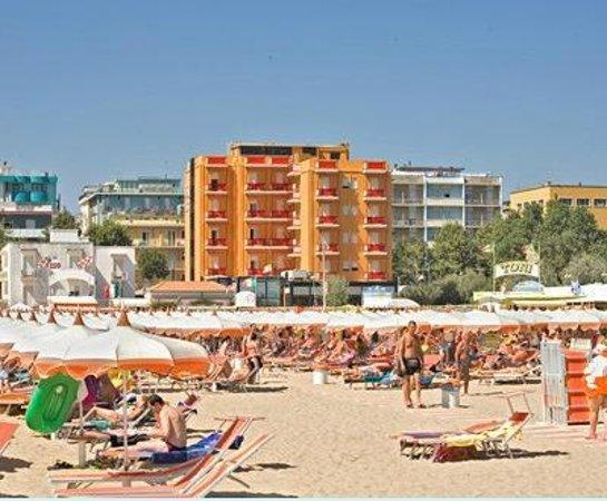Hotel Ariane : HOTEL DALLA SPIAGGIA