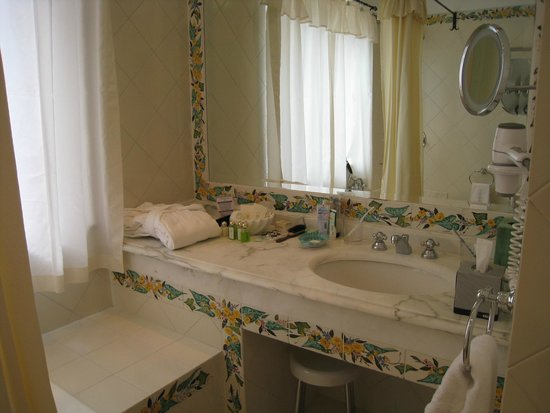 Hotel Buca di Bacco: バスルーム①