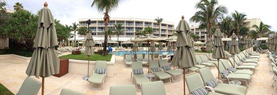 Four Seasons Resort, Palm Beach: View of hotel