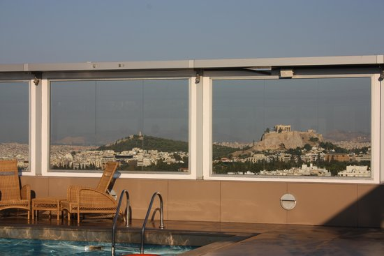 Divani Caravel Hotel: Parthenon view from roof-top pool