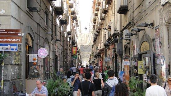 Decumani Hotel de Charme : Neapolitanisches Treiben