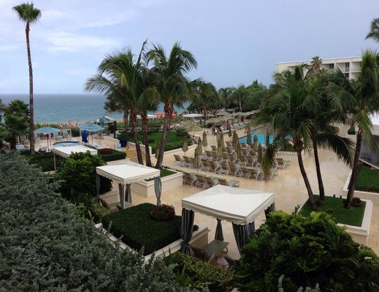 Four Seasons Resort, Palm Beach: View from full ocean view room.  It seemed more partial