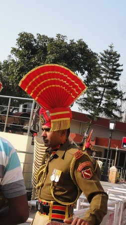 Wagah Border: Costume militaire