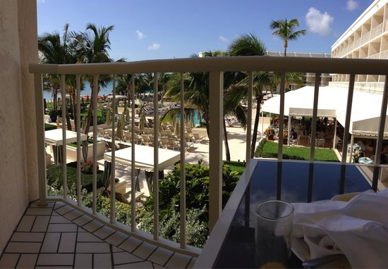 Four Seasons Resort, Palm Beach: This is considered a full ocean view.  It seemed partial to us.