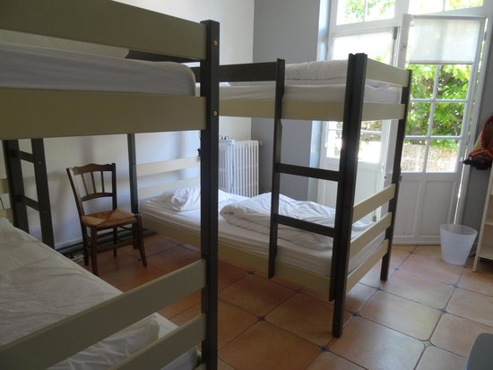 Cassis Hostel : 4-bed dormitory