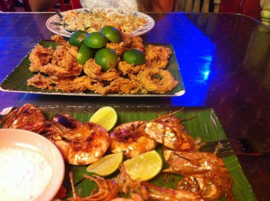 Aima Grill Fish Restaurant: Misto  fritto+gamberoni alla griglia+Riso con pescado