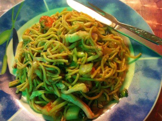 Aima Grill Fish Restaurant: Noodles con pescado misto