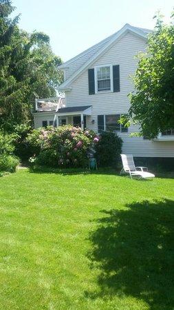 Harborside House: Gardens