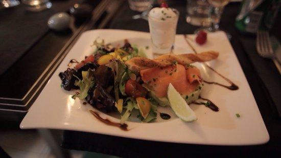 Restaurant Le G' envie : Some awesome Salmon on Avocado Cream ��