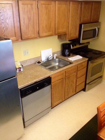 Hawthorn Suites By Wyndham Fishkill/Poughkeepsie Area: Penthouse Queen Kitchen