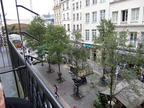 Hotel Agora: looking left on balcony
