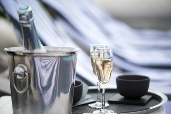 Best Western Plus Cannes Riviera & Spa: Glass of Champagne
