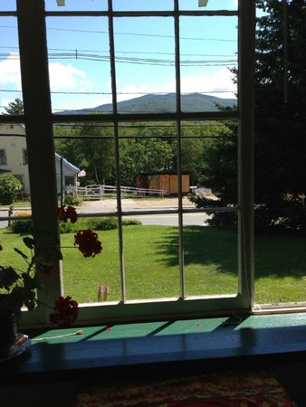 The Wilderness Inn Bed and Breakfast: A beautiful view during breakfast
