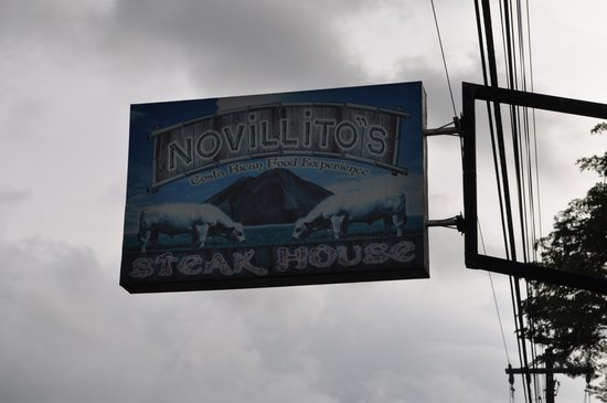 Novillitos: Road sign