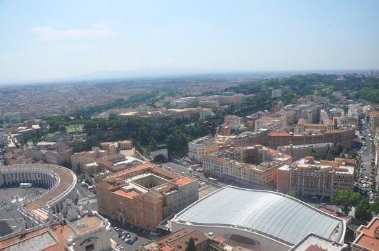 Rome ApartHotel : la situation de l'immeuble par rapport au vatican (entouré en rouge)