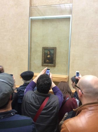 Musee du Louvre: the celebrity, mona lisa