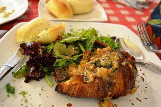 escargot croissant picture of la petite cuisine singapore tripadvisor. Black Bedroom Furniture Sets. Home Design Ideas