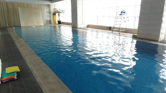 Jumeirah Himalayas Hotel Shanghai: プール