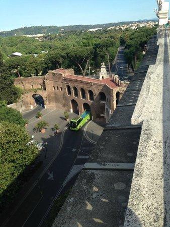 Rome Marriott Grand Hotel Flora: Vista desde la Terraza de Desayuno 2