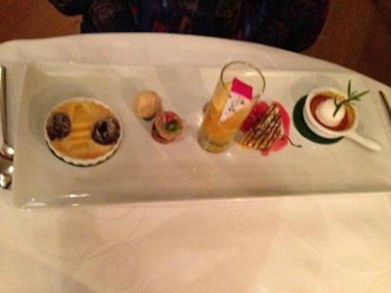 Krone Nossikon: Incredible dessert variation
