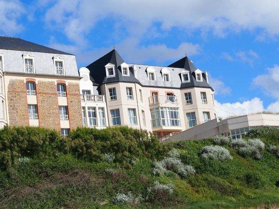 Residence Reine Marine : Résidence Reine Marine vue de la plage