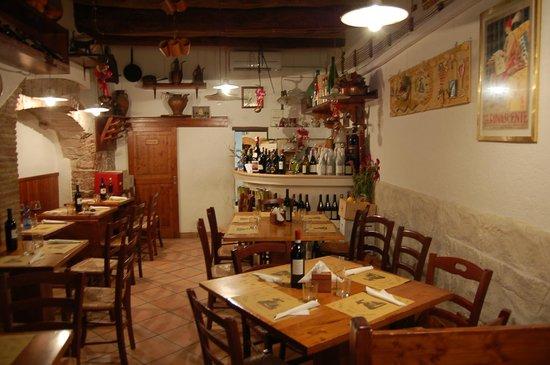 Sala da pranzo foto di dolce forno spello tripadvisor - Foto sala da pranzo ...