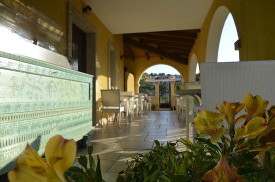 Hotel Sa Suergia: Patio colazione