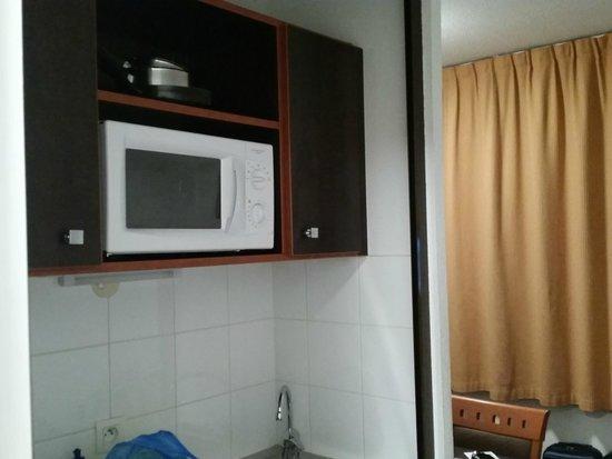 Adagio Access Paris Porte de Charenton: Cozinha do apartamento