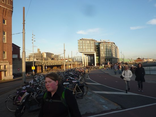 DoubleTree by Hilton Hotel Amsterdam Centraal Station : Hotel from street level - note bikes!